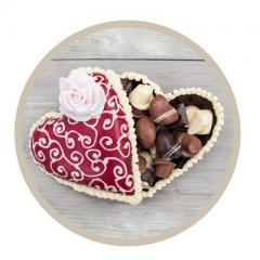 In twee uur tijd maak je een goedgevuld chocolade hart met de daarin de lekkerste bonbons. Dé workshop die techniek combineert met gezelligheid.