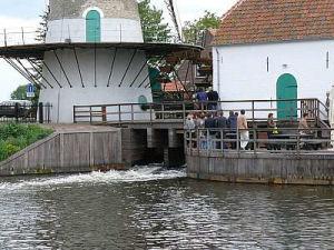 Een gecombineerde rondleiding door de molens en de omringende natuur