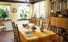 Aan de rand van het monumentale dorp Oirschot is Bed & Breakfast 'De Notelhoeck' gevestigd
