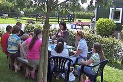 Op De Stroom vieren we vaak kinderfeestjes. Op een speelse manier leren de kinderen interessante weetjes over de natuur en hun omgeving.