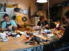 Fête de Lavande verzorgt workshops met bloemen en groen, Paverpol, uiteenlopende natuurlijke- en hobbymaterialen.