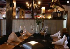 Goed leven is een kunst en genieten is de kroon op dit kunstwerk. Ons restaurant heeft een uitstekende lunch- en dinerkaart.