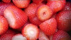 Aardbeien uit eigen tuin of van eigen balkon betekent 0,0 foodmiles.