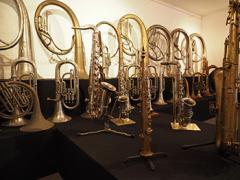In 'Kessels' zijn de honderden instrumenten, de fabricage en het gebruik van de Kessels-instrumenten op een verrassende manier te zien.
