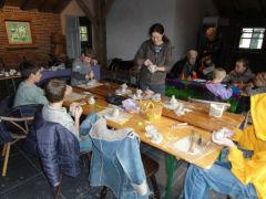Ik geef keramiek workshops voor kinderen of volwassenen in mijn eigen atelier en op locatie.